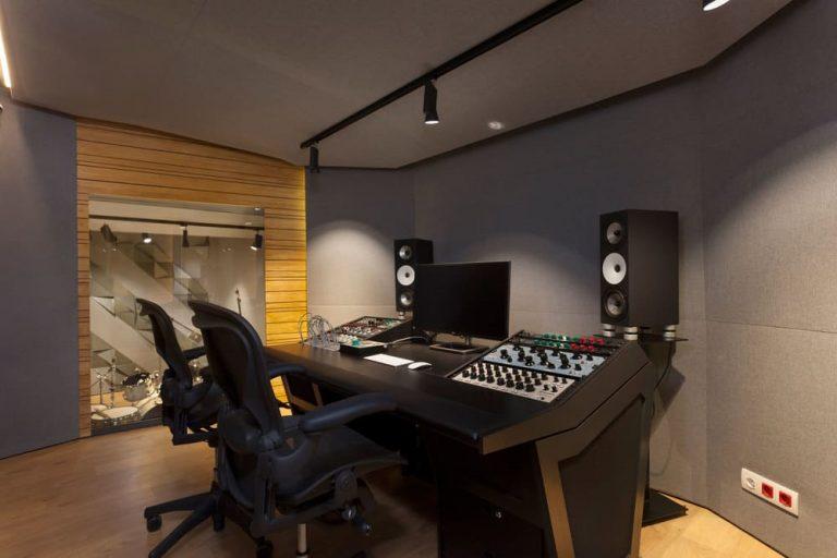 estudio-de-grabacion-barcelona-comodo